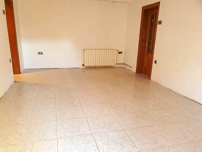Piso en venta en Sabadell, Barcelona, Calle Dels Torners, 86.000 €, 3 habitaciones, 1 baño, 87 m2