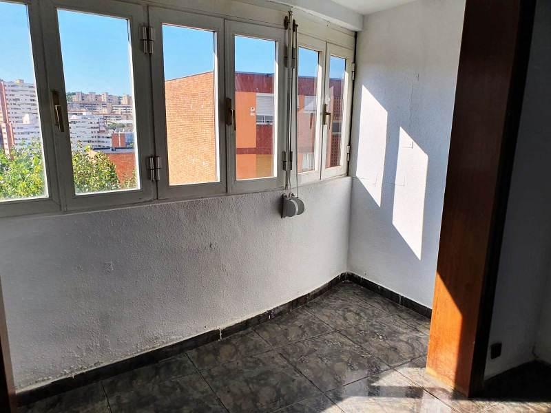 Piso en venta en Barcelona, Barcelona, Calle Pedraforca, 113.000 €, 3 habitaciones, 1 baño, 77 m2