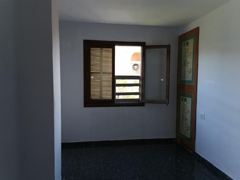 Piso en venta en Son Coc, Palma de Mallorca, Baleares, Calle Manacor, 199.000 €, 4 habitaciones, 1 baño, 104 m2