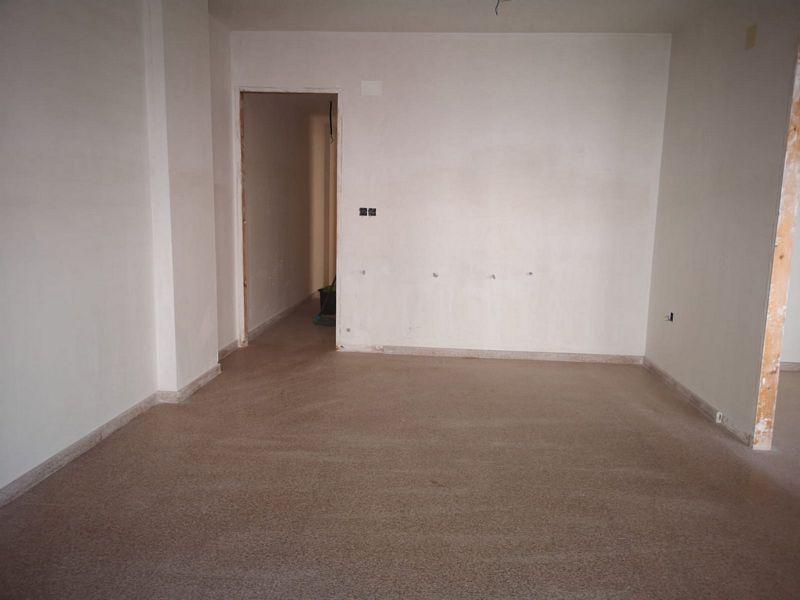 Piso en venta en Zona Alta, Alcoy/alcoi, Alicante, Avenida El Cami. Edificio El Parque, 108.000 €, 3 habitaciones, 1 baño, 103 m2