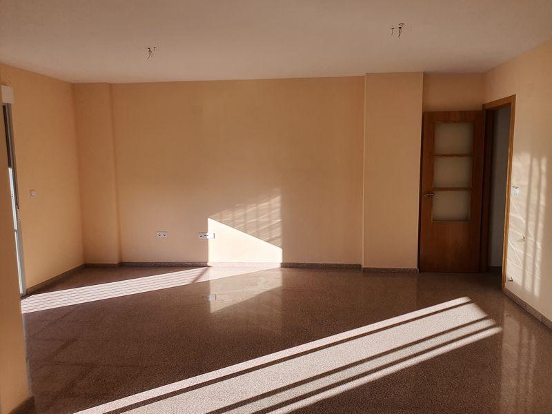 Piso en venta en Zona Alta, Alcoy/alcoi, Alicante, Avenida El Cami. Edificio El Parque, 108.000 €, 3 habitaciones, 2 baños, 104 m2