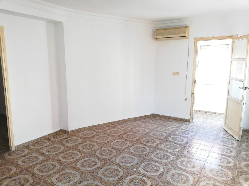 Piso en venta en Grupo San Pedro, Castellón de la Plana/castelló de la Plana, Castellón, Calle Magallanes, 41.000 €, 3 habitaciones, 1 baño, 106 m2
