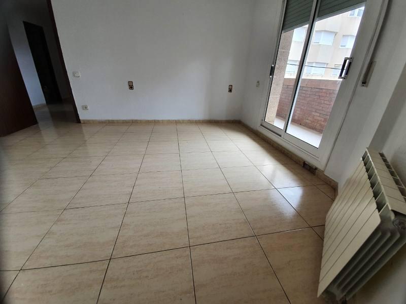 Piso en venta en Zona Esportiva, Terrassa, Barcelona, Calle Pintor Vancells, Del, 211.000 €, 3 habitaciones, 2 baños, 110 m2