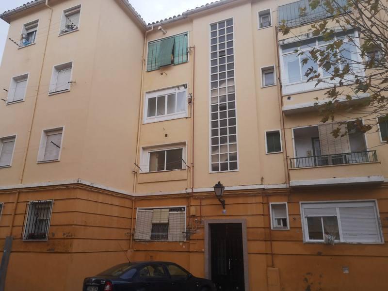 Piso en venta en Talavera de la Reina, Toledo, Avenida de Pio Xii, 67.000 €, 3 habitaciones, 1 baño, 109 m2