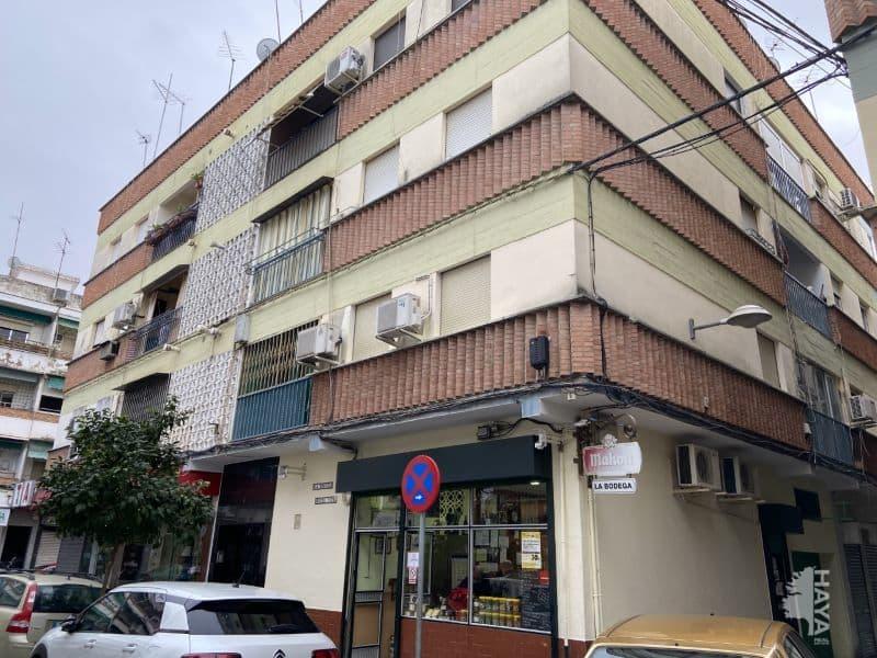 Piso en venta en Córdoba, Córdoba, Calle Escritor Gonzalo Serrano, 87.000 €, 3 habitaciones, 1 baño, 62 m2