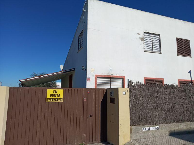 Casa en venta en Espartinas, Sevilla, Calle Alminar, 150.000 €, 4 habitaciones, 2 baños, 96 m2