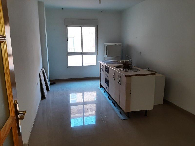 Piso en venta en Churriana de la Vega, Granada, Avenida Agustina de Aragon, 86.000 €, 2 habitaciones, 1 baño, 70 m2
