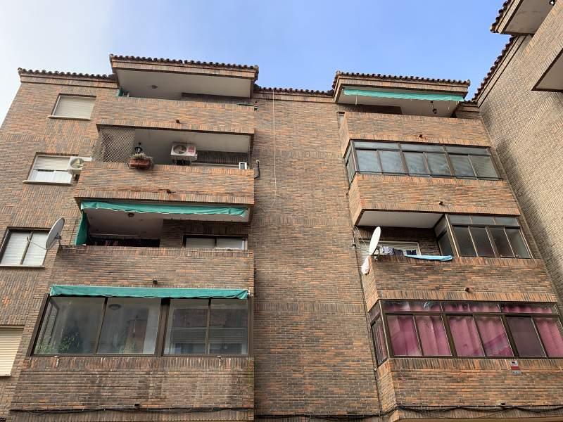 Piso en venta en Socuéllamos, Socuéllamos, Ciudad Real, Calle Plaza Iglesia, 33.000 €, 2 habitaciones, 1 baño, 98 m2