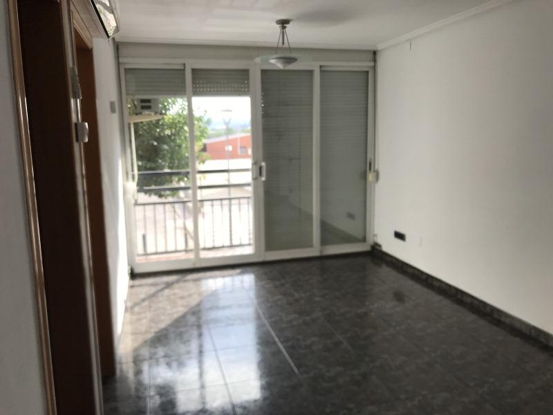 Piso en venta en La Llagosta, Barcelona, Calle Pintor Fortuny, 128.000 €, 3 habitaciones, 1 baño, 73 m2