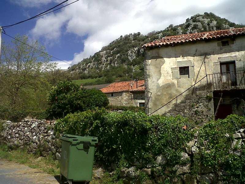 Piso en venta en Valle, Ruesga, Cantabria, Calle Barrio Barruelo, 33.000 €, 1 habitación, 1 baño, 102 m2