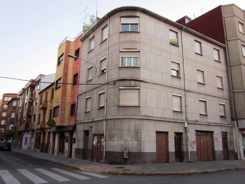 Piso en venta en Compostilla, Ponferrada, León, Calle Embalse de Barcena, 52.250 €, 4 habitaciones, 1 baño, 104 m2