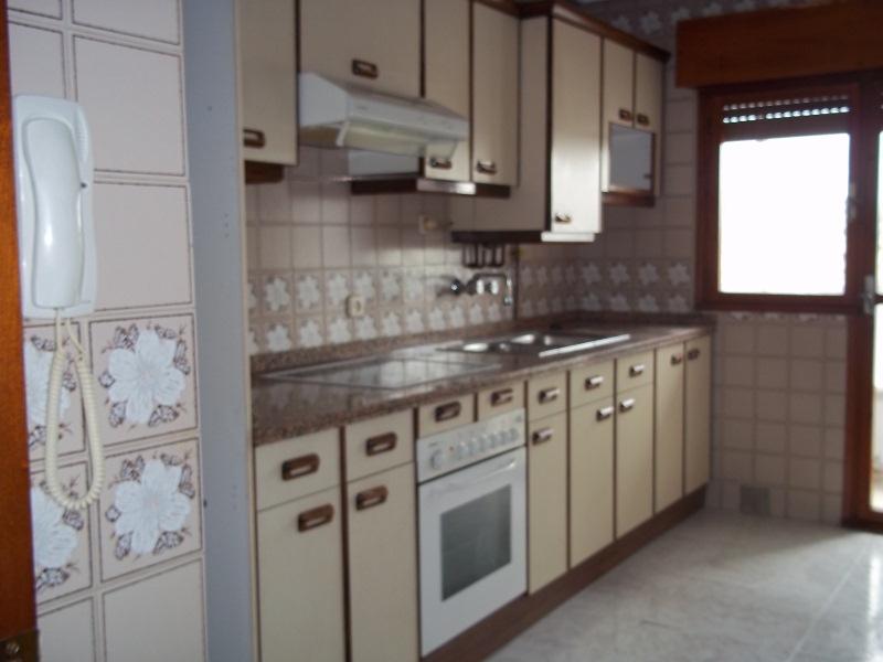 Piso en venta en Lugo de Llanera, Llanera, Asturias, Calle Covadonga, 66.000 €, 2 habitaciones, 1 baño, 82 m2