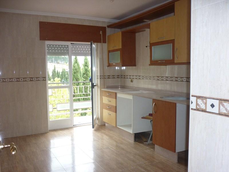 Piso en venta en Compostilla, Ponferrada, León, Calle Angel Pestaña, 59.000 €, 3 habitaciones, 1 baño, 106 m2