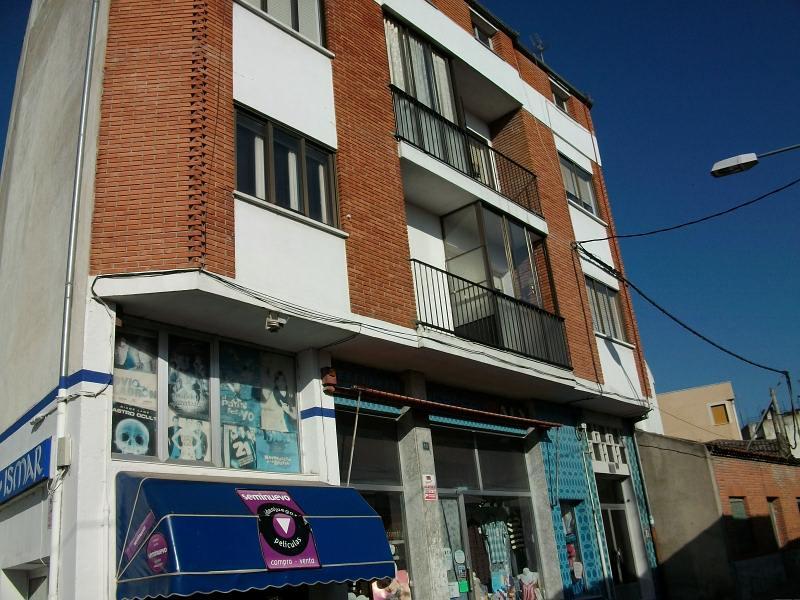 Piso en venta en Íscar, Valladolid, Calle Hoyos, 39.000 €, 3 habitaciones, 1 baño, 123 m2