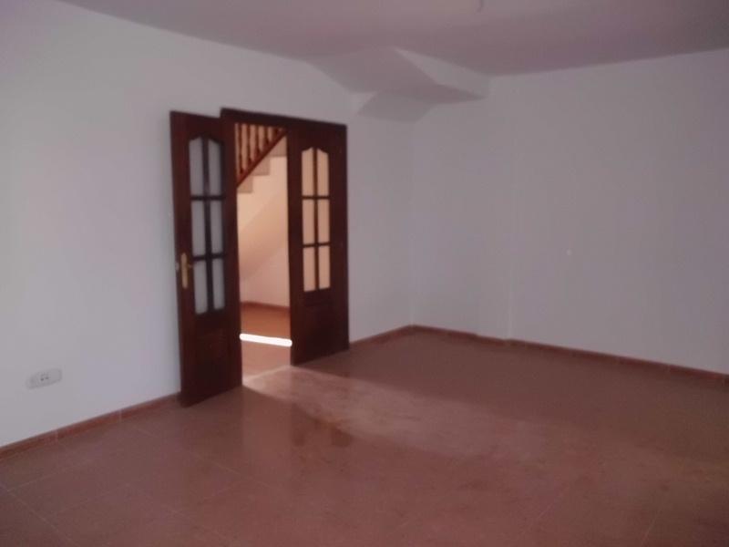 Piso en venta en La Cañada de San Urbano, Almería, Almería, Calle de la Avenida, 119.000 €, 4 habitaciones, 2 baños, 136 m2