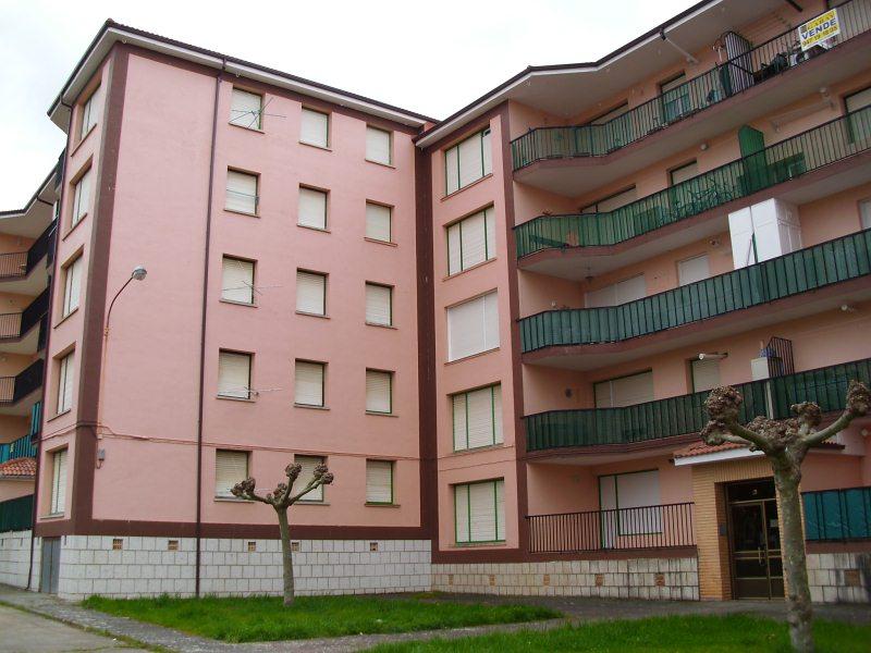 Piso en venta en Medina de Pomar, Burgos, Calle Puente Villanueva, 44.160 €, 2 habitaciones, 1 baño, 74 m2
