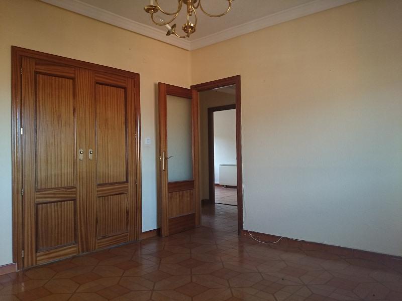 Piso en venta en Cebreros, Ávila, Urbanización El Risco, 19.900 €, 3 habitaciones, 1 baño, 72 m2