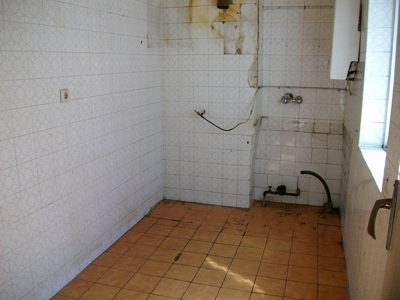 Piso en venta en Delicias, Valladolid, Valladolid, Calle Hermanitas de la Cruz, 42.000 €, 3 habitaciones, 1 baño, 80 m2