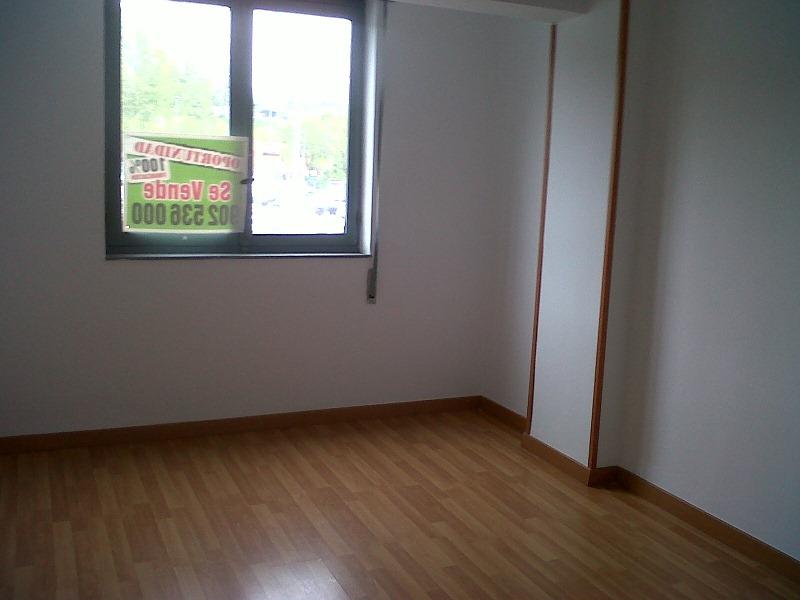 Piso en venta en Inmobiliaria, Torrelavega, Cantabria, Calle Guadayeque, 91.000 €, 3 habitaciones, 1 baño, 87 m2
