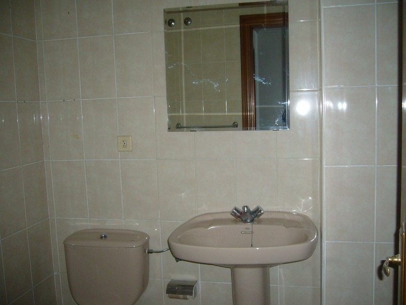 Piso en venta en Tremañes, Gijón, Asturias, Calle los Pinos, 80.000 €, 2 habitaciones, 1 baño, 86 m2