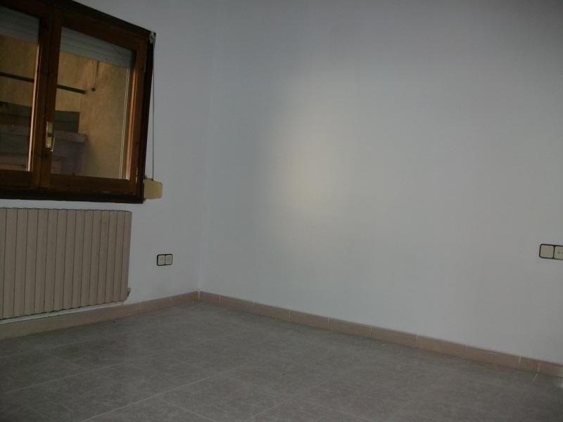 Piso en venta en Piso en Balaguer, Lleida, 29.900 €, 3 habitaciones, 1 baño, 84 m2