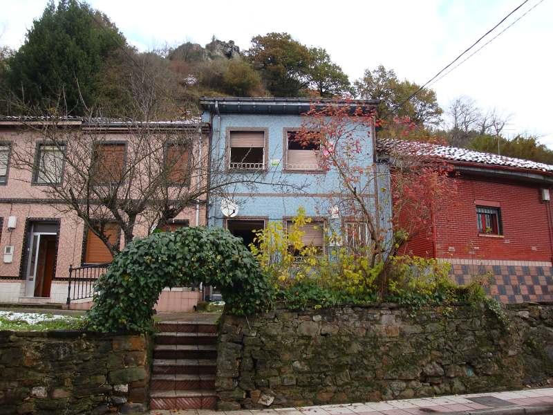 Casa en venta en Barros, Langreo, españa, Calle Huerta, 9.000 €, 5 habitaciones, 2 baños, 120 m2