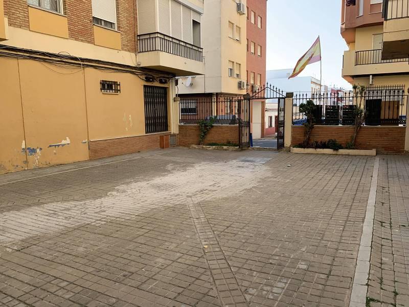 Piso en venta en Tres Ventanas, Huelva, Huelva, Calle Chucena, 67.000 €, 3 habitaciones, 1 baño, 83 m2