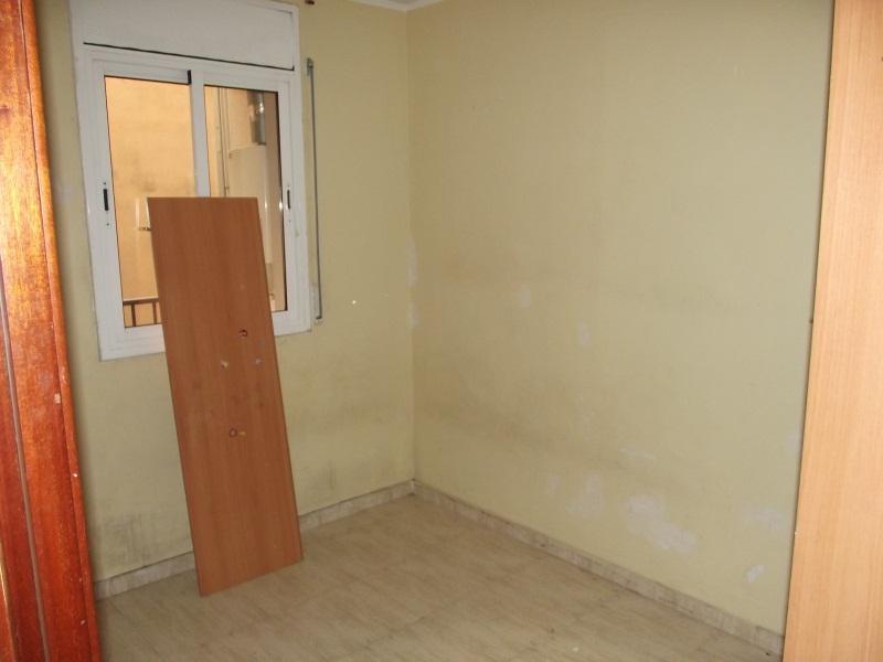 Piso en venta en Calle, Salt, Girona, Calle Angel Guimera, 83.000 €, 3 habitaciones, 1 baño, 79 m2