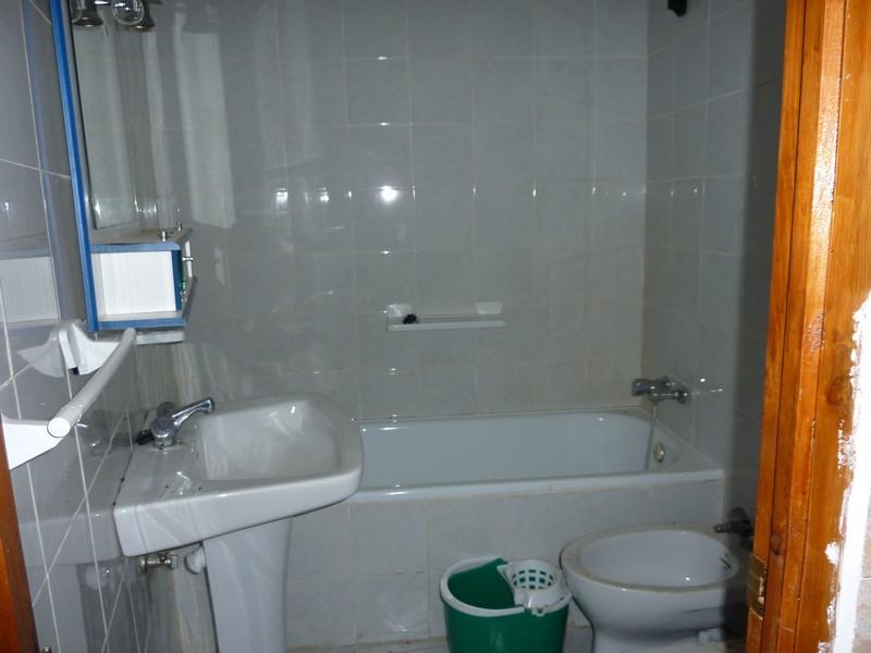 Casa en venta en Madroñera, Cáceres, Calle Llanillo, 44.000 €, 3 habitaciones, 1 baño, 120 m2