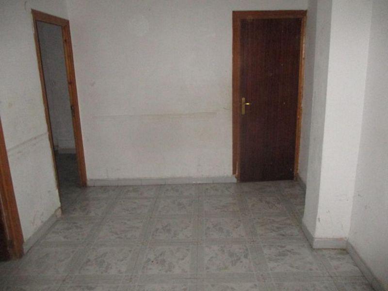 Piso en venta en Gandia, Valencia, Calle Pintor Segrelles, 32.600 €, 3 habitaciones, 1 baño, 64,83 m2