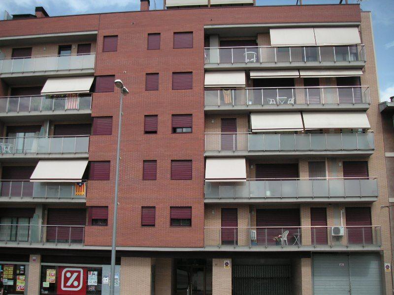 Piso en venta en Navàs, Barcelona, Plaza Antoni Gaudí, 135.800 €, 3 habitaciones, 2 baños, 166 m2