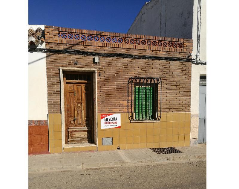 Casa en venta en Tomelloso, Ciudad Real, Calle Carrera de San Jeronimo, 33.000 €, 3 habitaciones, 1 baño, 155 m2