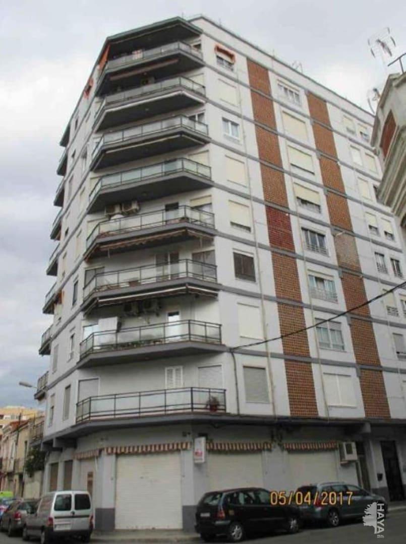 Piso en venta en Grupo San Pedro, Castellón de la Plana/castelló de la Plana, Castellón, Calle Magallanes, 72.600 €, 2 habitaciones, 1 baño, 89 m2