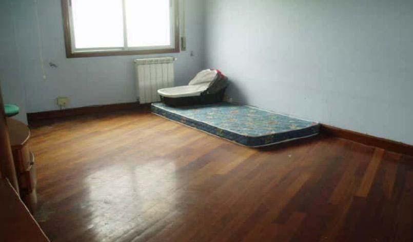 Piso en venta en Piso en Eibar, Guipúzcoa, 100.873 €, 3 habitaciones, 1 baño, 79 m2