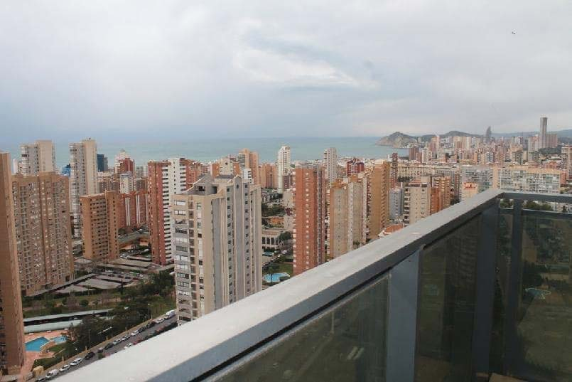 Piso en venta en Piso en Benidorm, Alicante, 158.000 €, 2 habitaciones, 1 baño, 83 m2