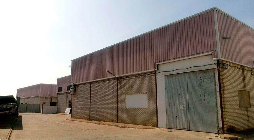 Industrial en venta en Dos Hermanas, Sevilla, Calle Datiles, 405.000 €, 2 m2