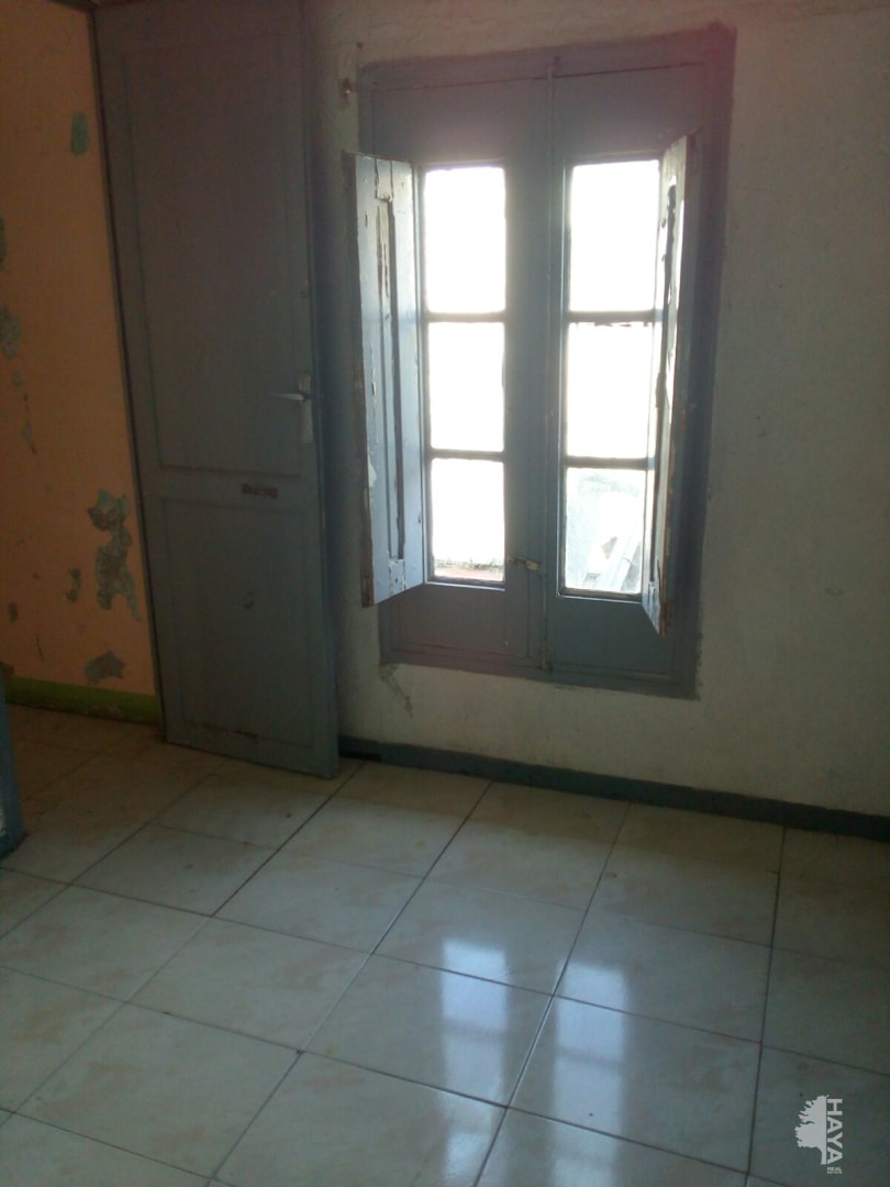 Piso en venta en Tortosa, Tarragona, Calle Dels Genovesos, 32.623 €, 4 habitaciones, 2 baños, 68 m2