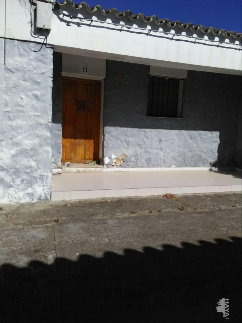 Casa en venta en Miajadas, Cáceres, Calle San Isidro, 114.700 €, 4 habitaciones, 1 baño, 244 m2