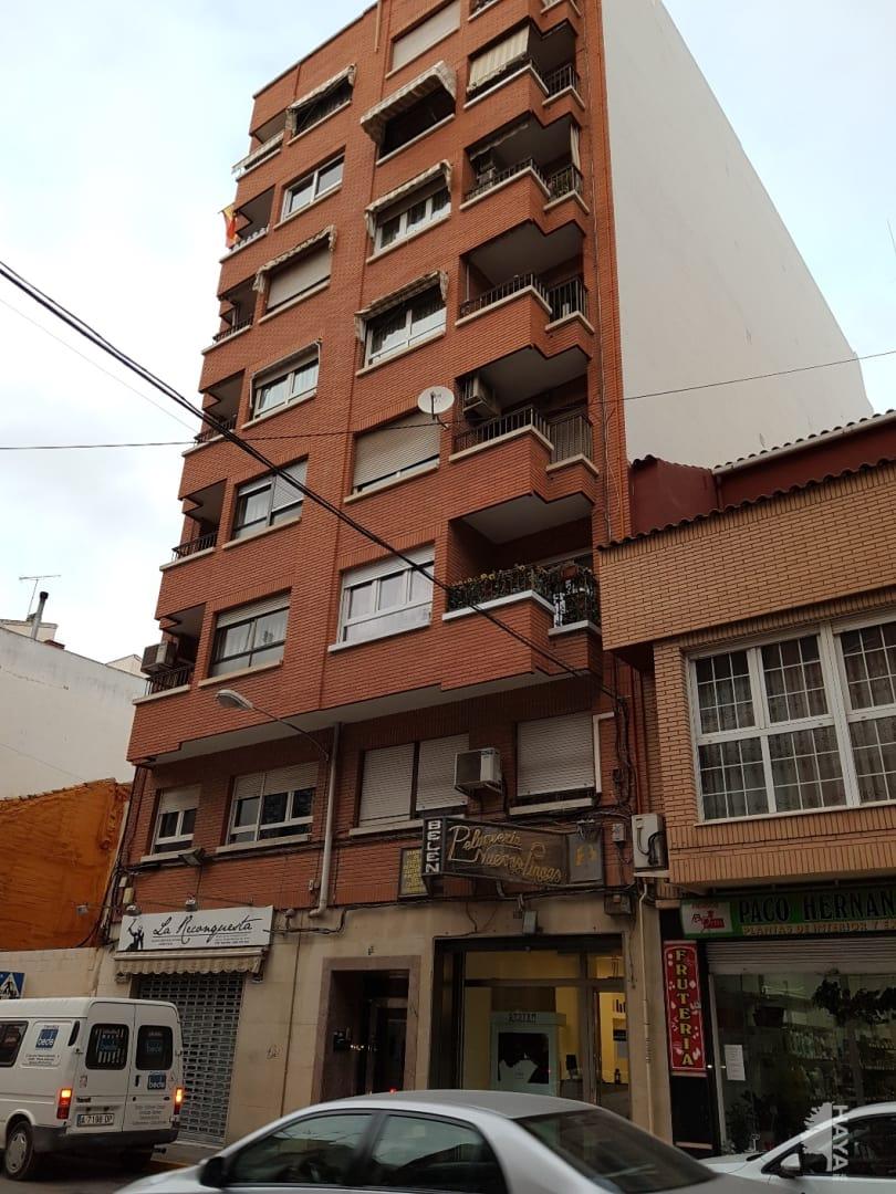 Piso en venta en Villena, Alicante, Calle Escultor Navarro Santafe, 74.118 €, 3 habitaciones, 1 baño, 112 m2