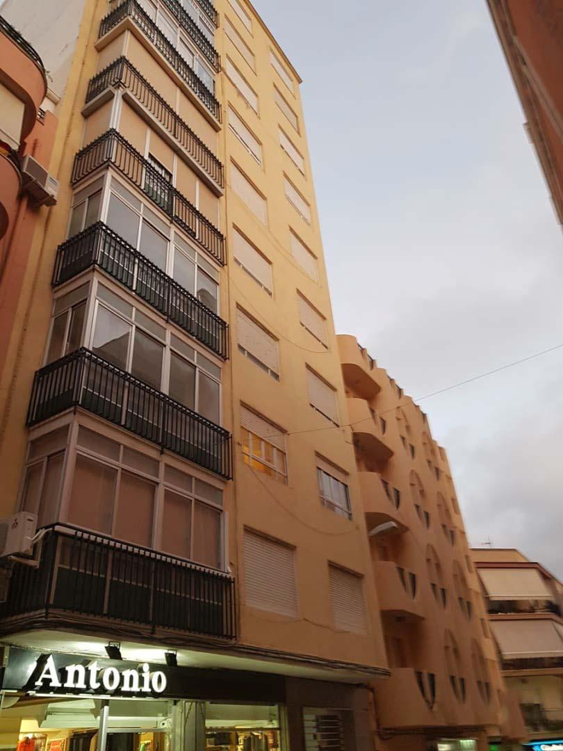 Piso en venta en Monóvar/monòver, Alicante, Calle Luis Marti, 75.815 €, 4 habitaciones, 1 baño, 129 m2