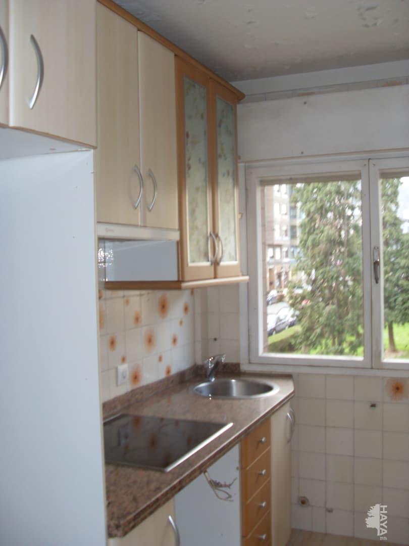 Piso en venta en San Lázaro Y Otero, Oviedo, Asturias, Calle Rio Nalon, 87.900 €, 3 habitaciones, 2 baños, 89 m2