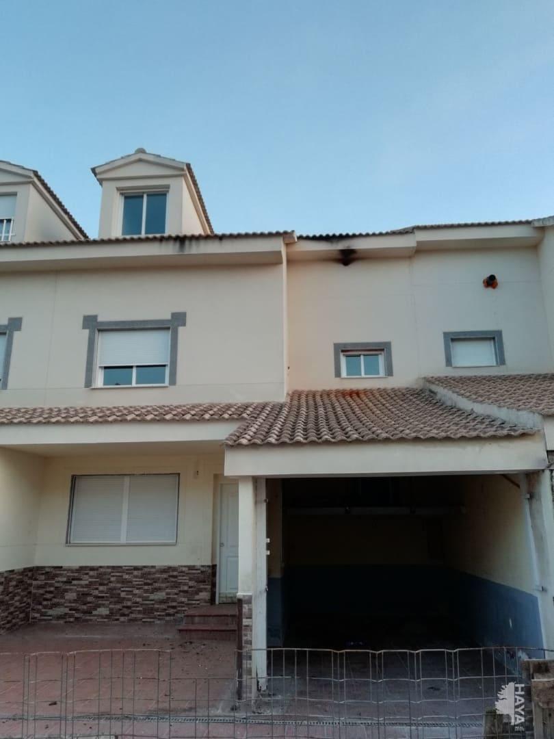 Casa en venta en Horcajo de Santiago, Cuenca, Calle Concha Piquer, 92.851 €, 3 habitaciones, 2 baños, 175 m2