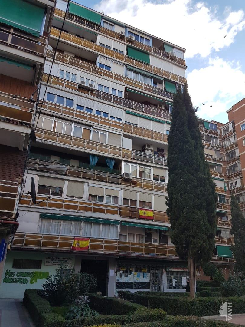 Piso en venta en Fuenlabrada, Madrid, Plaza Valdeserrano, 114.800 €, 3 habitaciones, 1 baño, 66 m2