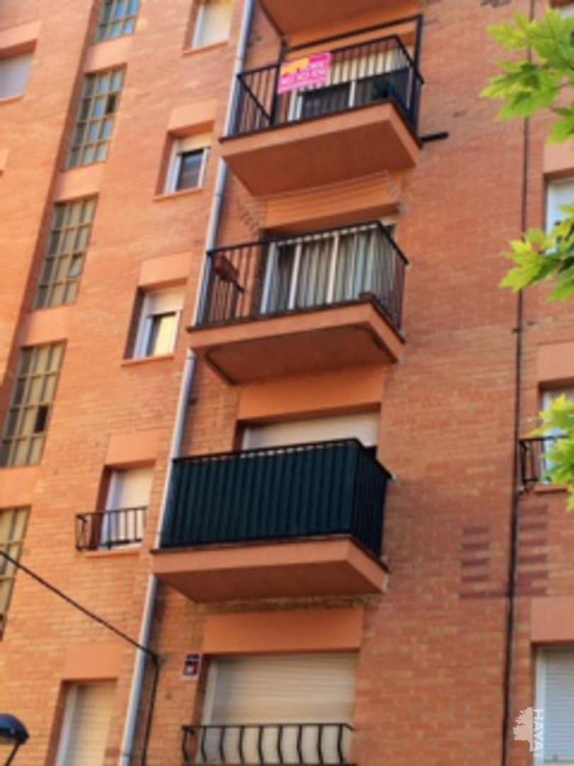 Piso en venta en Terrassa, Barcelona, Plaza de la Verema, 106.000 €, 3 habitaciones, 2 baños, 74 m2