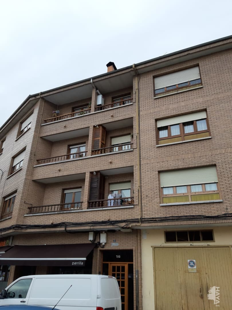 Piso en venta en Monein, San Martín del Rey Aurelio, Asturias, Calle Velazquez, 53.400 €, 3 habitaciones, 1 baño, 116 m2