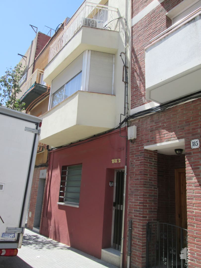 Piso en venta en Terrassa, Barcelona, Calle Sant Crispi, 63.000 €, 1 baño, 65 m2