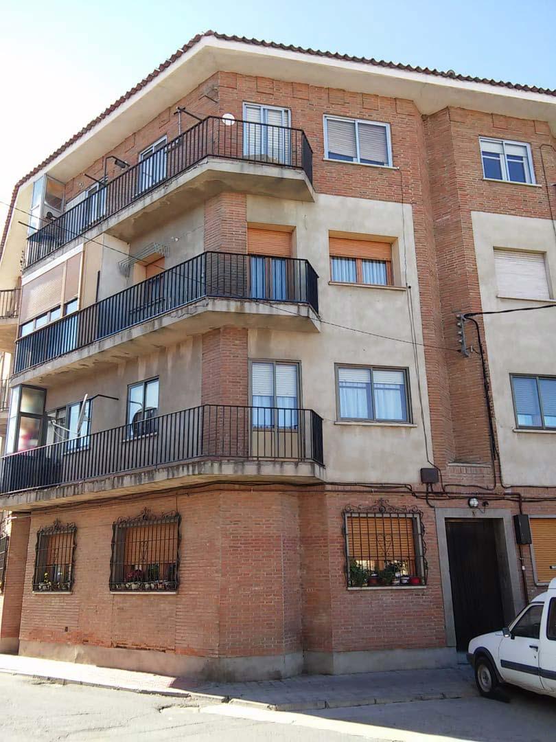 Piso en venta en Nava de la Asunción, Segovia, Plaza Sonsoto, 37.581 €, 3 habitaciones, 1 baño, 86 m2