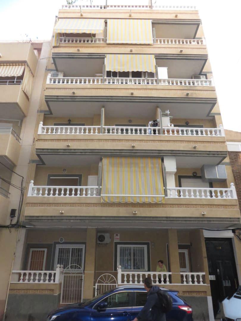 Piso en venta en Urbanización Calas Blancas, Torrevieja, Alicante, Calle Vicente Blasco Ibañez, 81.671 €, 2 habitaciones, 4 baños, 85 m2