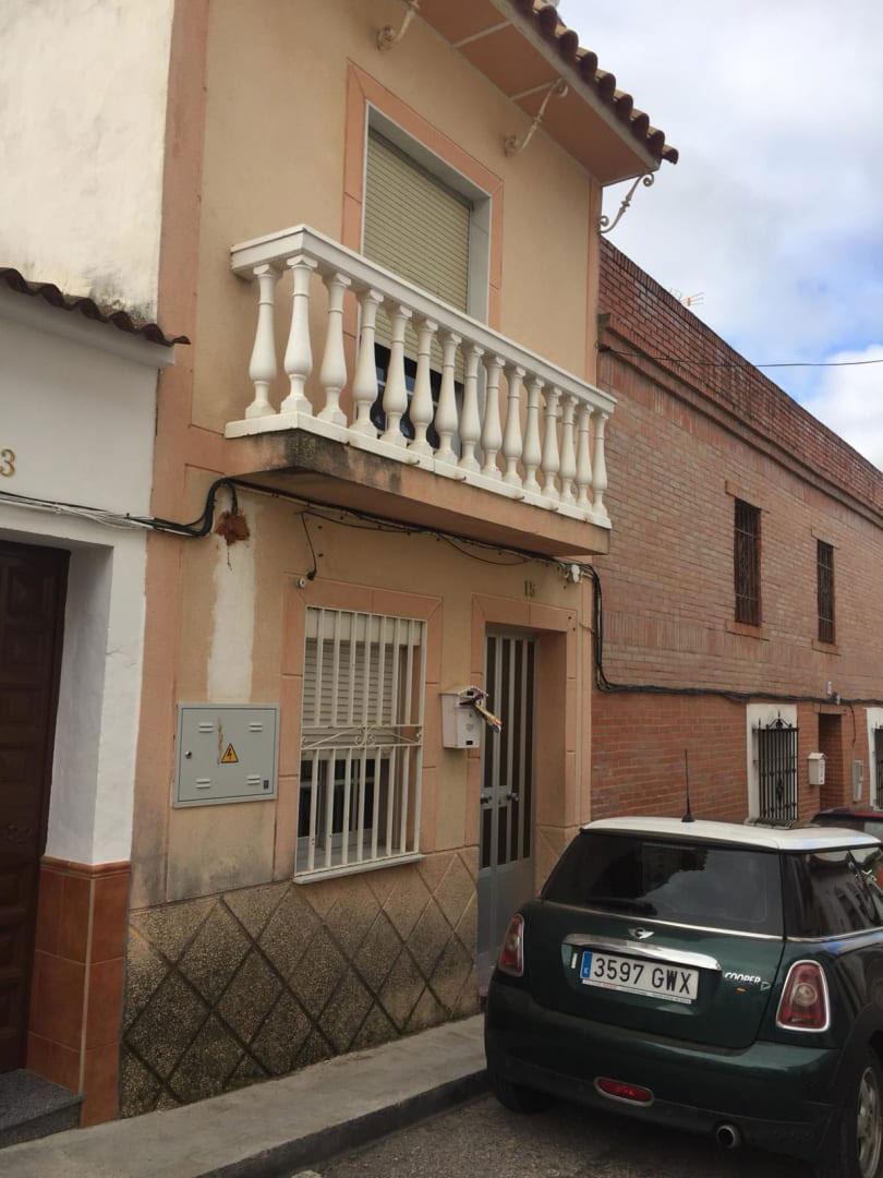 Casa en venta en La Victoria, Córdoba, Calle Murillo, 108.556 €, 3 habitaciones, 1 baño, 141 m2