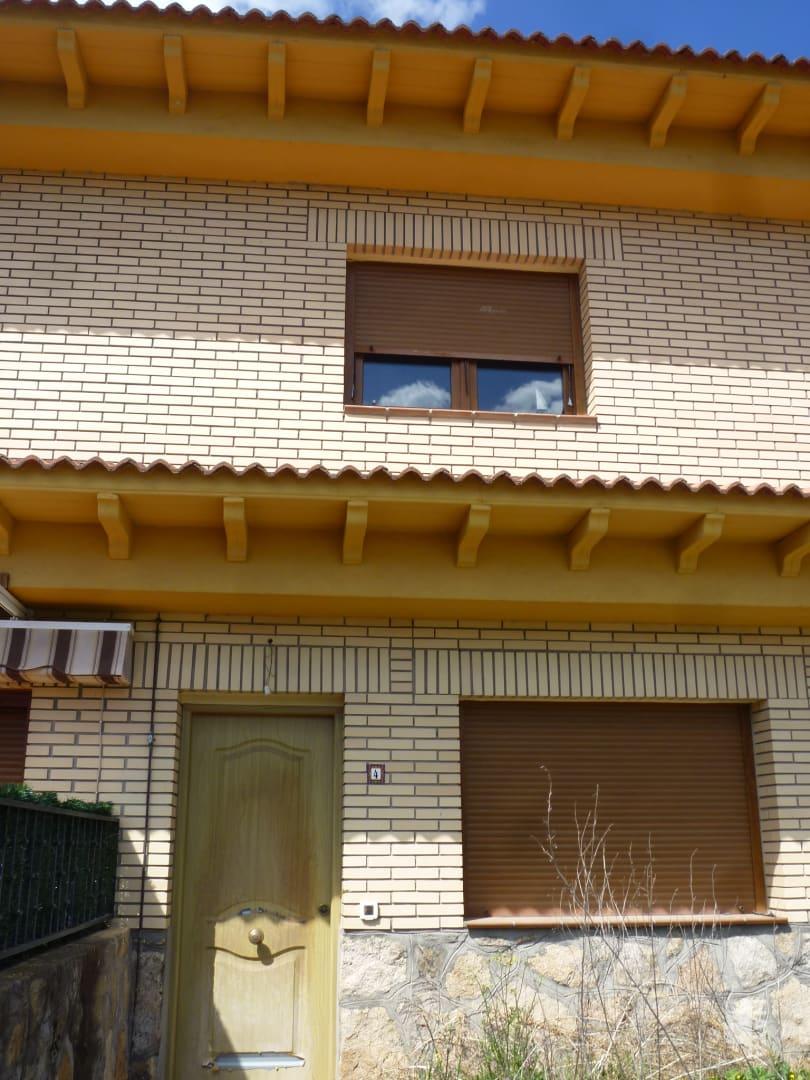 Casa en venta en La Adrada, Ávila, Calle Partida Extrarradio Picota, 69.000 €, 2 habitaciones, 1 baño, 84 m2